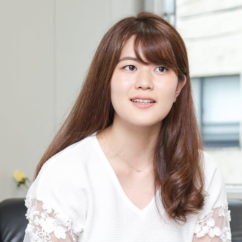 営業職 茂呂明日香 2016年入社/文学部卒
